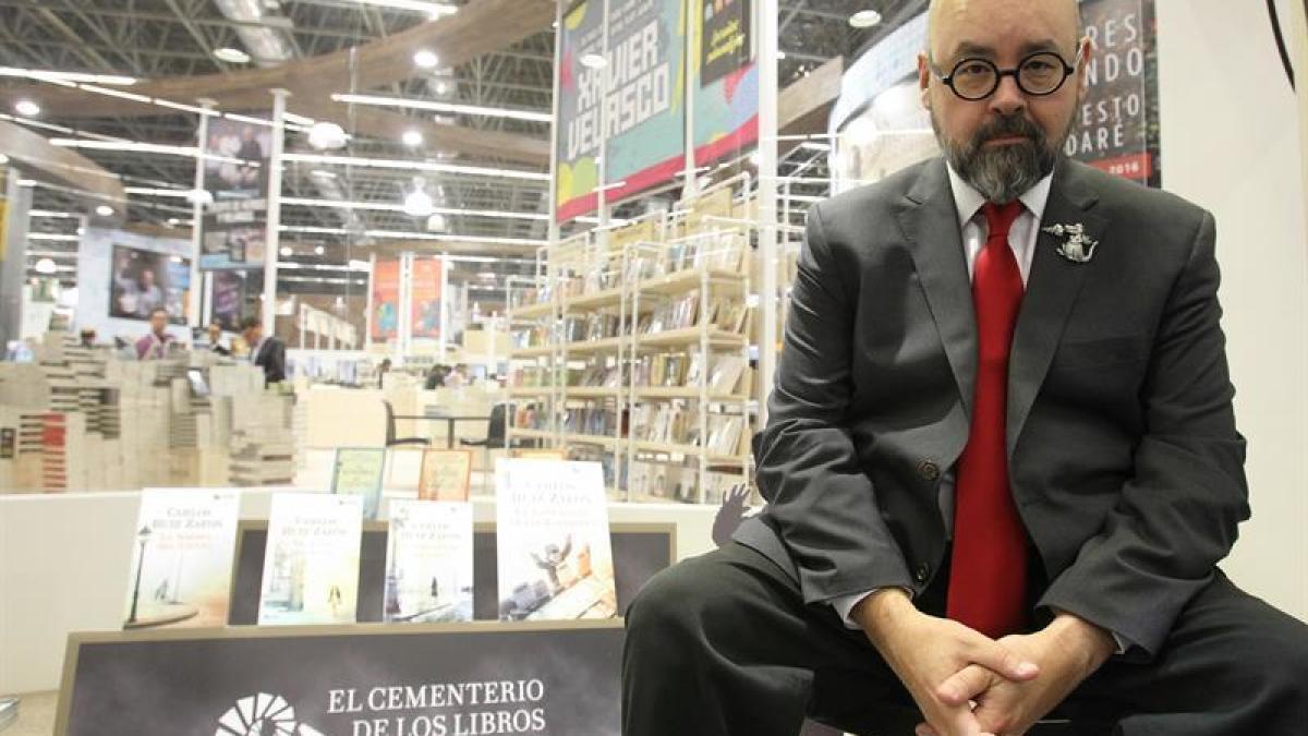 Fallece el escritor Carlos Ruiz Zafón a los 55 años de edad