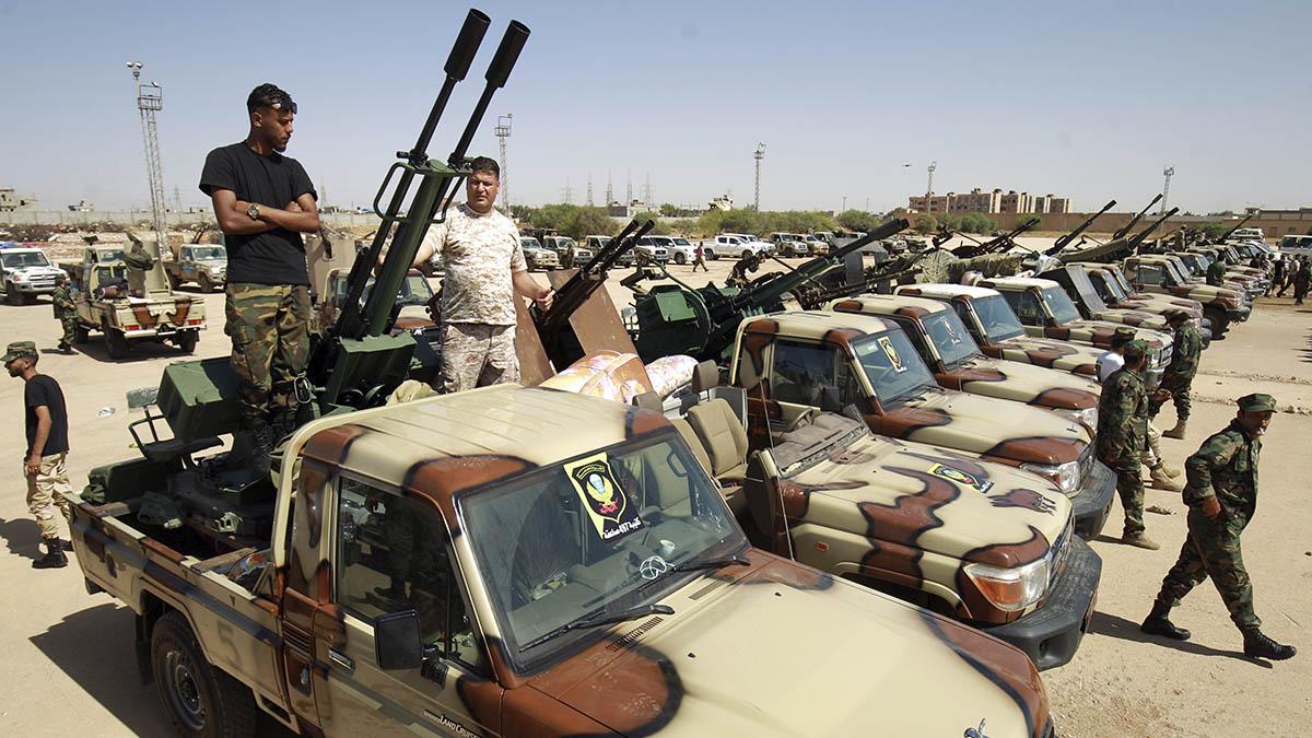Tropas del Ejército Nacional Libio (LNA), cerca de Bengasi.