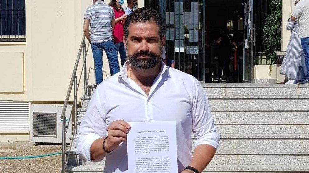 Huelva.-Alcalde de Cartaya denuncia al edil de PSOE por supuesto soborno y pide a Cs recapacitar sobre la moción