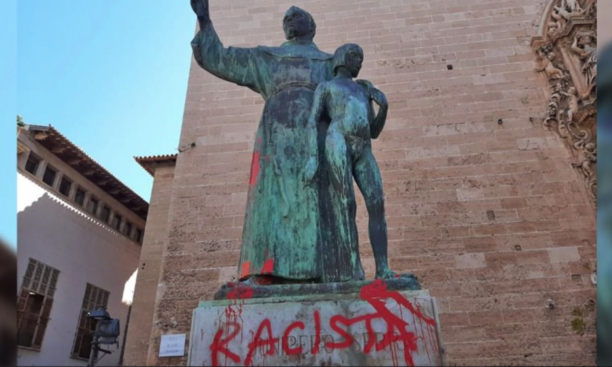 Ataque a la estatua de Fray Junípero Serra en Palma.