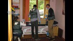 La Guardia Civil en el registro del centro donde se practicaban los abusos