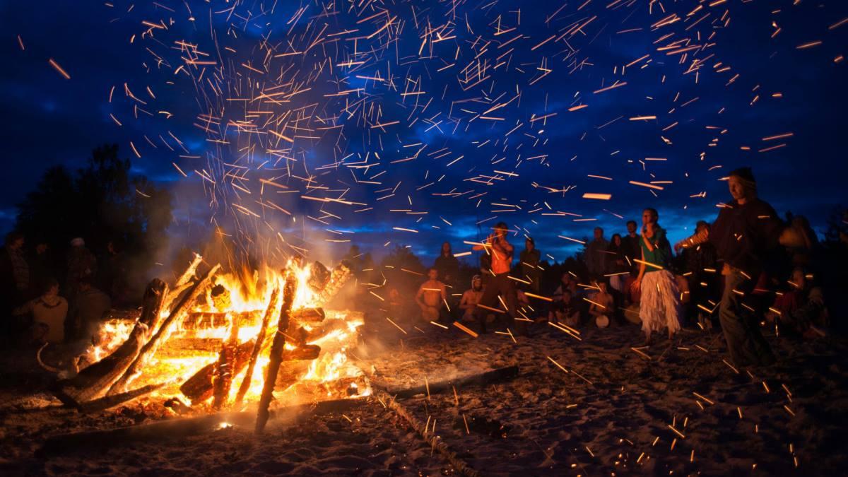 Noche de San Juan 2020: Se impone la 'nueva normalidad' playas cerradas y prohibición de hogueras