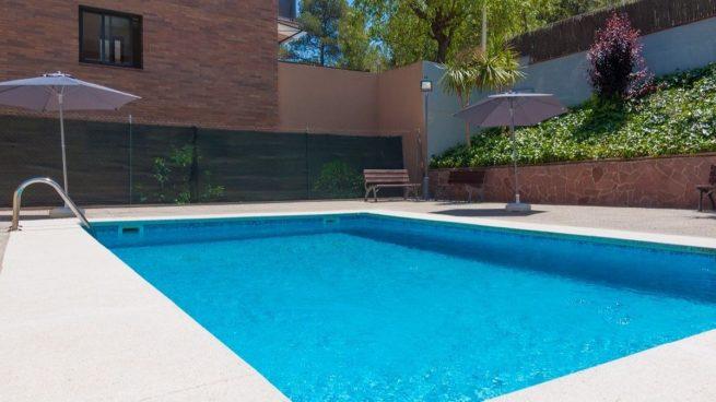 Muere una niña de once años ahogada en una piscina de Almuñécar.