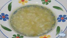 Receta de sopa de puerro con lima y menta