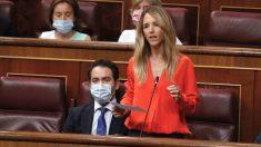 La portavoz del PP, Cayetana Álvarez de Toledo, durante su intervención en la primera sesión de control al Ejecutivo en el Congreso tras el fin del estado de alarma. (Foto: Efe)