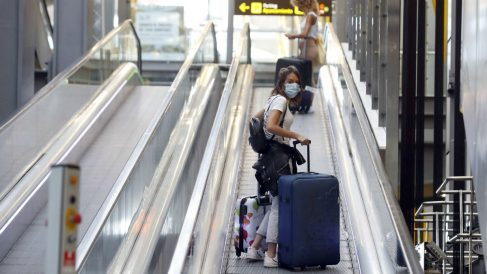 Los aeropuertos españoles cierran 2020 con un desplome del 72,4% en el tráfico de pasajeros por el Covid