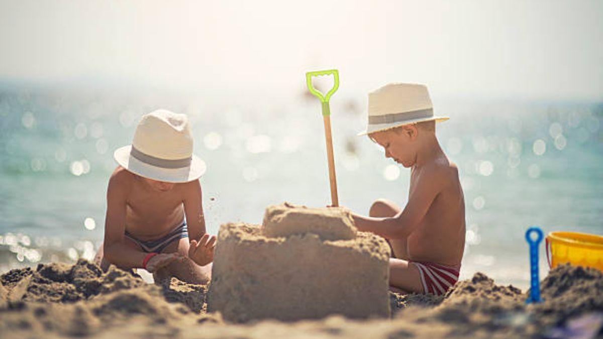 Los mejores juegos de playa para niños pequeños