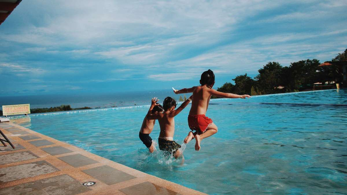 Muy pocas piscinas comunitarias no podrán utilizarse este verano