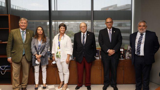 A.M.A. cubrirá con la póliza colectiva firmada con el Colegio de Veterinarios de Cádiz