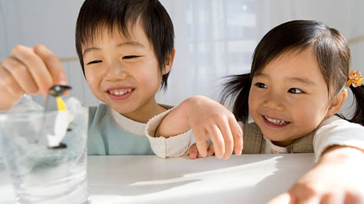 Los mejores juegos con cubitos de hielo para los niños