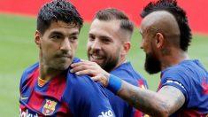 Luis Suárez celebra uno de sus goles ante el Celta. (EFE)