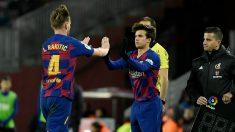 Riqui Puig entra a un partido con el Barcelona. (AFP)