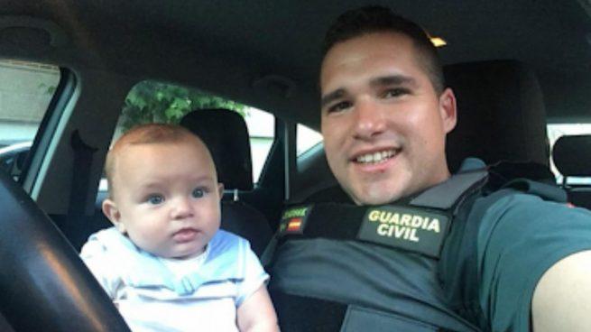 Un Guardia Civil fuera de servicio salva la vida a un bebé en Leganés