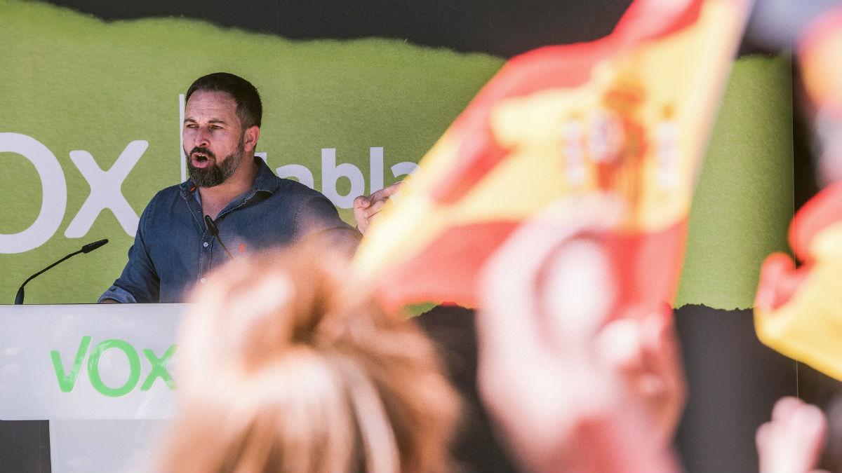El líder de Vox, Santiago Abascal, en un acto electoral en Laguardia. (Foto: EFE)