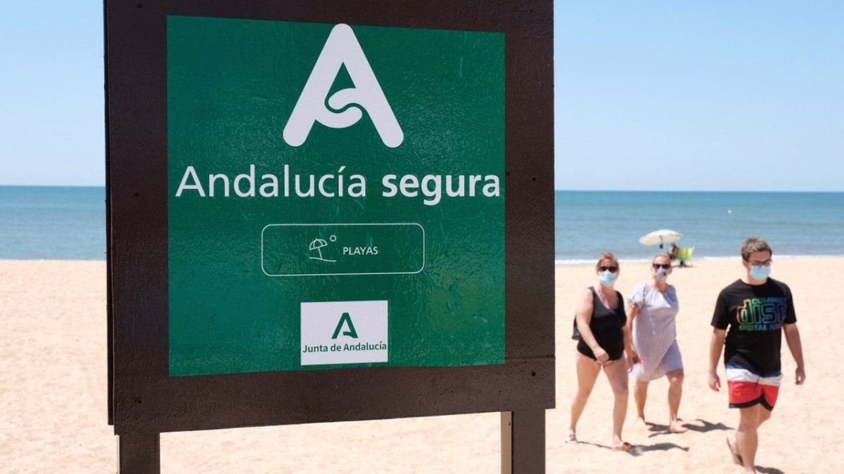 'Andalucía Segura', el sello que garantiza a los turistas un verano seguro y de calidad
