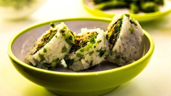 Receta de sushi de espinacas con mayonesa