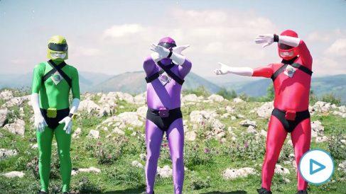 Podemos se infantiliza: pone a los Power Rangers como ejemplo de un Gobierno vasco con Bildu y el PSOE.