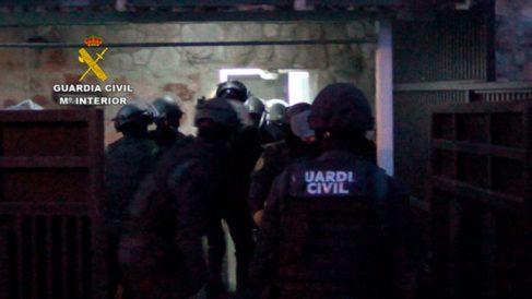 La Policía Nacional durante las detenciones