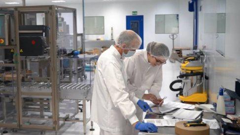 Farmacéuticos militares trabajando durante la crisis del Covid (Foto: Ministerio de Defensa).