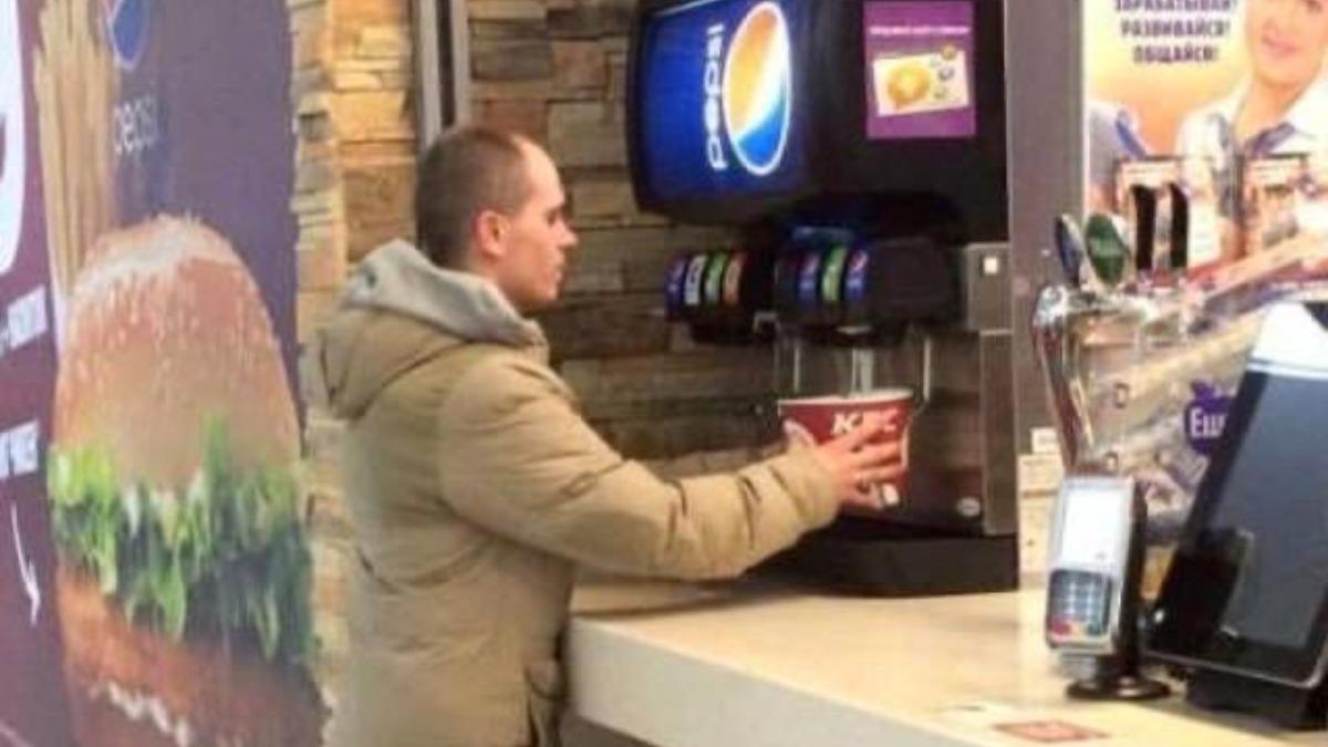 Twitter: Esta foto les ha costado muy cara a la cadena de restaurantes KFC