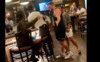 Twitter: La distancia de seguridad acaba generando una pelea entre dos mujeres