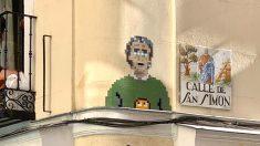 El mosaico de Fernando Simón hecho por un 'artista' callejero en una calle del distrito madrileño de Lavapiés.