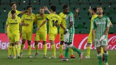 Los jugadores del Villarreal celebran el gol de Gerard. (EFE)