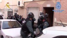 La Guardia Civil durante la intervención en Melilla