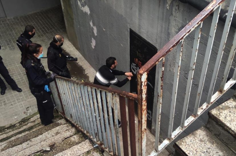 La pesadilla de unos vecinos de Alcorcón con unos okupas protegidos por el PSOE y Podemos
