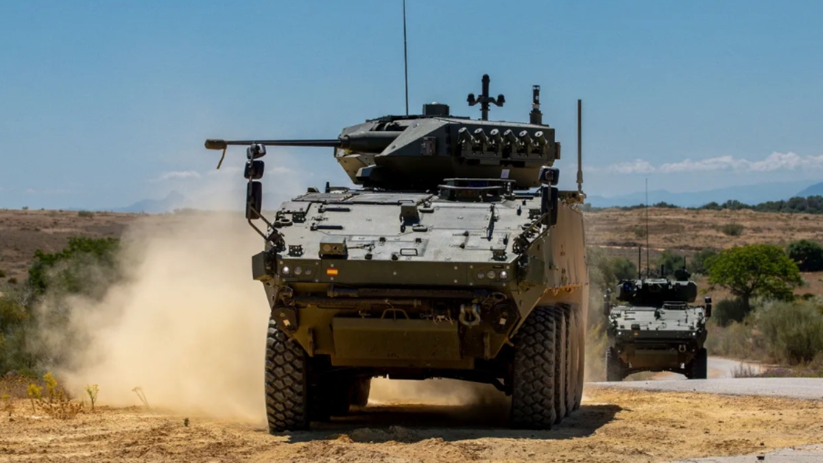 El 8×8, el vehículo de transporte al que Iglesias calificó de «tanque» y advirtió que no era «prioritario».