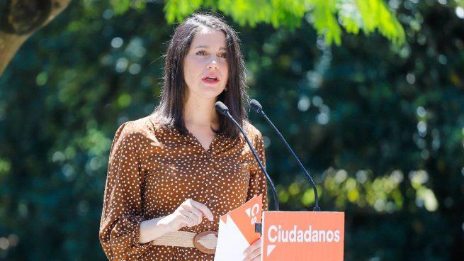 Arrimadas reprocha a PP y PSOE que pacten para repartirse los jueces pero no para impulsar reformas económicas