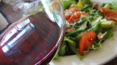 Dieta de vino y jamón, ¿realmente es buena para adelgazar?
