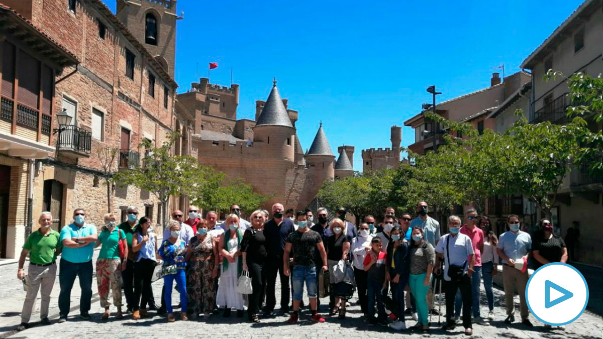 Grupo de Vox en Olite, antes de los altercados.