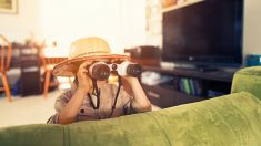 Cómo divertirse aunque pasemos unas vacaciones de verano en casa con los niños