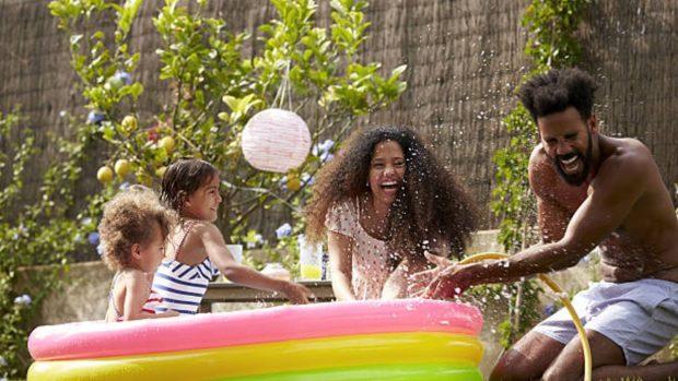 Ideas para pasar las vacaciones de verano en casa con los niños