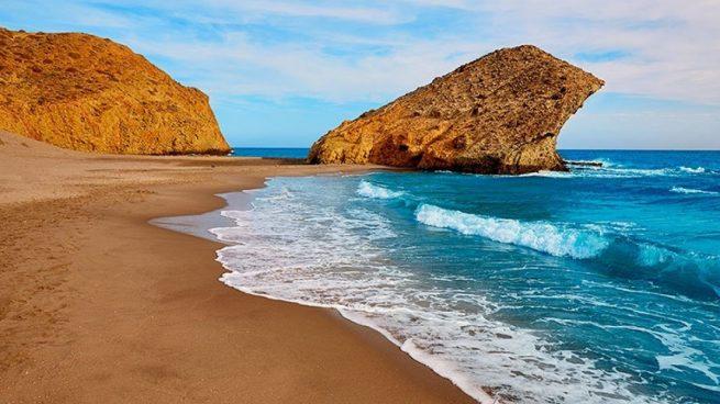 Vacaciones 2020: las 5 playas del Mediterráneo español más bonitas