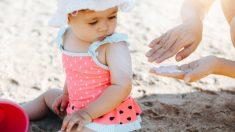 Las precauciones que debes tomar si vas de vacaciones a la playa con los niños