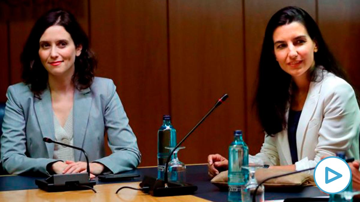 Isabel Díaz Ayuso, junto a la candidata de Vox, Rocío Monasterio. Foto: EFE