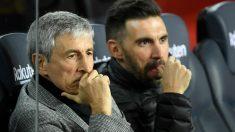 Eder Sarabia y Quique Setién, en el banquillo del Barça.