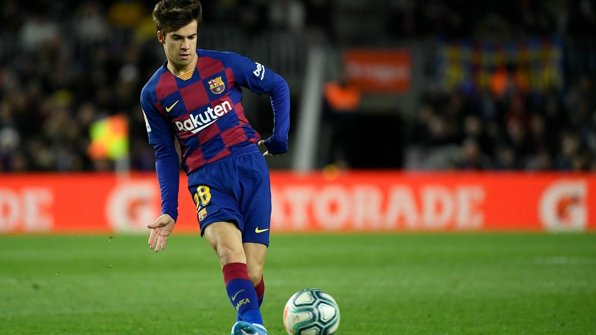 Riqui Puig, durante un partido del Barcelona. (AFP)