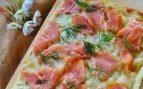Receta de coca de salmón ahumado y aguacate