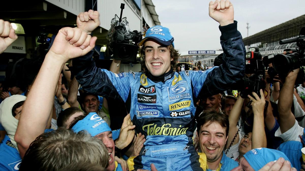 Fernando Alonso tras ganar su segundo Mundial en 2005. (Getty)