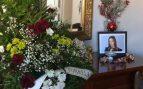 Twitter: Su madre le monta un altar en el salón para darle suerte con la selectividad