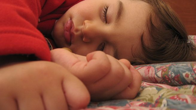 Insomnio y niños, ¿qué hacer para que duerman?
