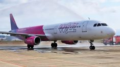 La low cost Wizz Air en un aeropuerto
