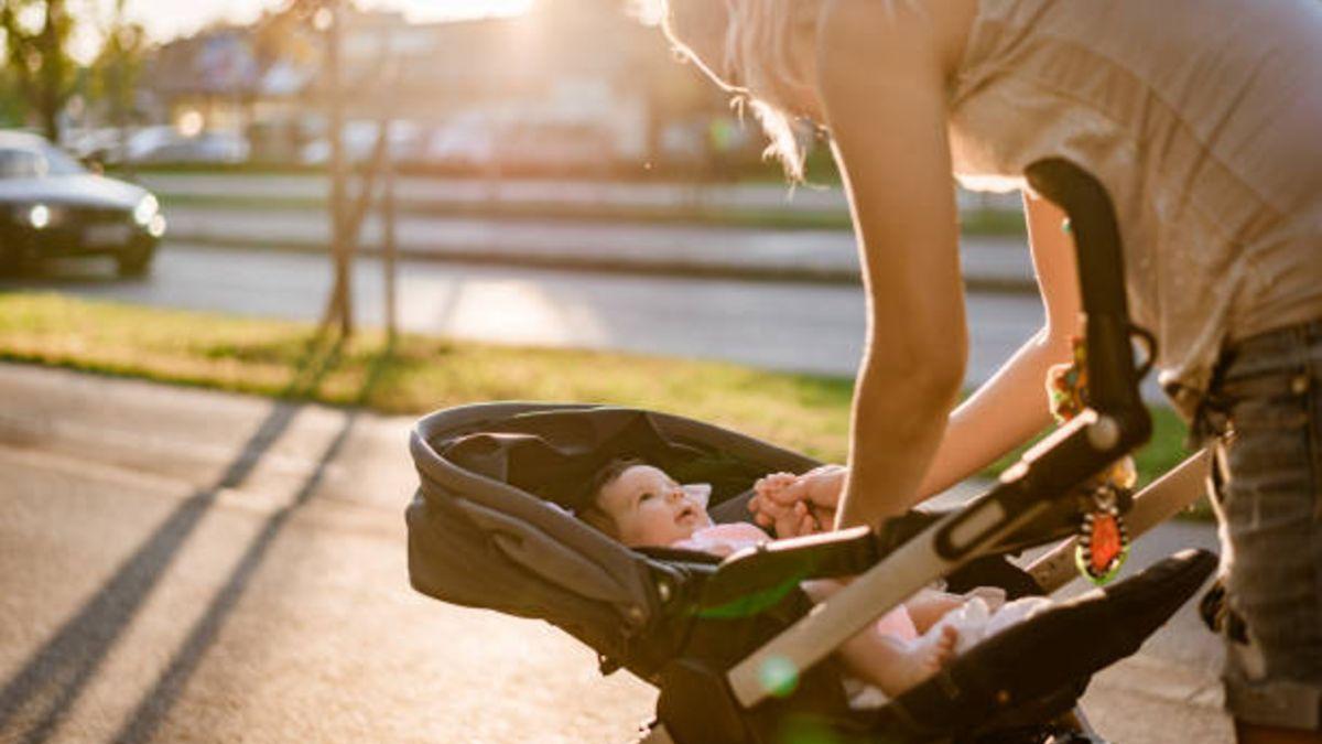 Cómo y cuándo hacer los primeros paseos del bebé