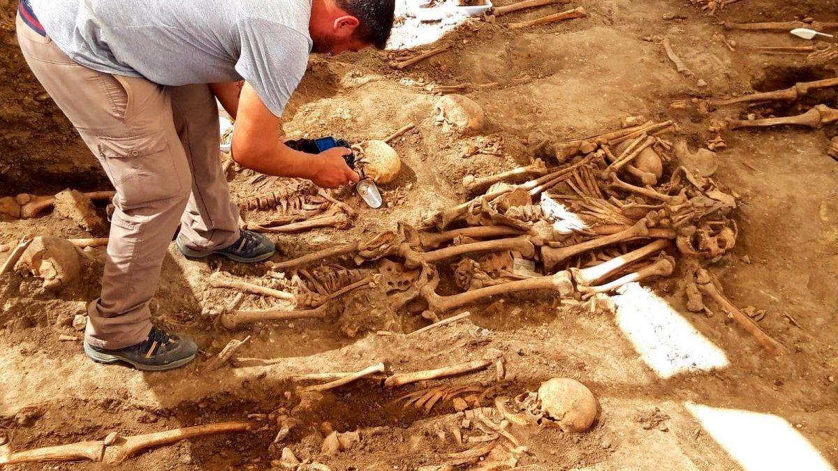 Exhumación en Jimena de la Frontera (Cádiz) para localizar restos de víctimas de la Guerra Civil. (Foto: EP)
