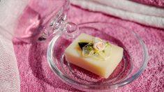 El jabón natural es muy beneficioso para el cabello y la piel
