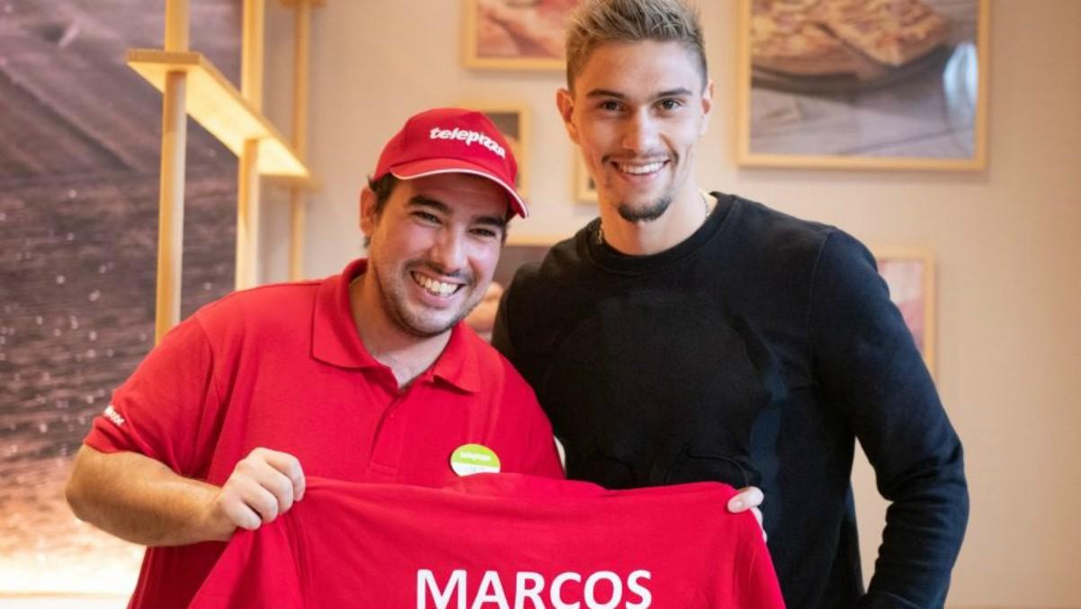 Marcos, jugador de la Fundación Rayo Vallecano, se incorpora a un Telepizza de Madrid. (Foto: LaLiga)