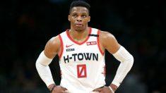 Westbrook, en un partido con los Rockets. (AFP)